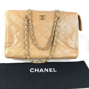 💎Beautiful 💎caviar Quilted zipper Chanel t…